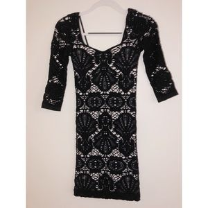 BLACK AND WHITE FORM FITTING FREE PEOPLE DRESS